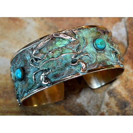 Olive Patina Solid Brass Detailed Triple Crab Cuff - Turquoise
