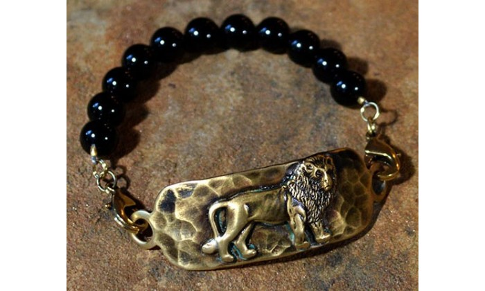 Wildlife jewelry by Elaine Coyne